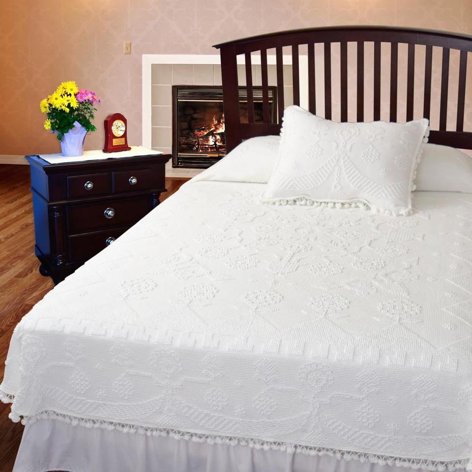Martha Washington's Choice Coverlet Bedding sets, Home
