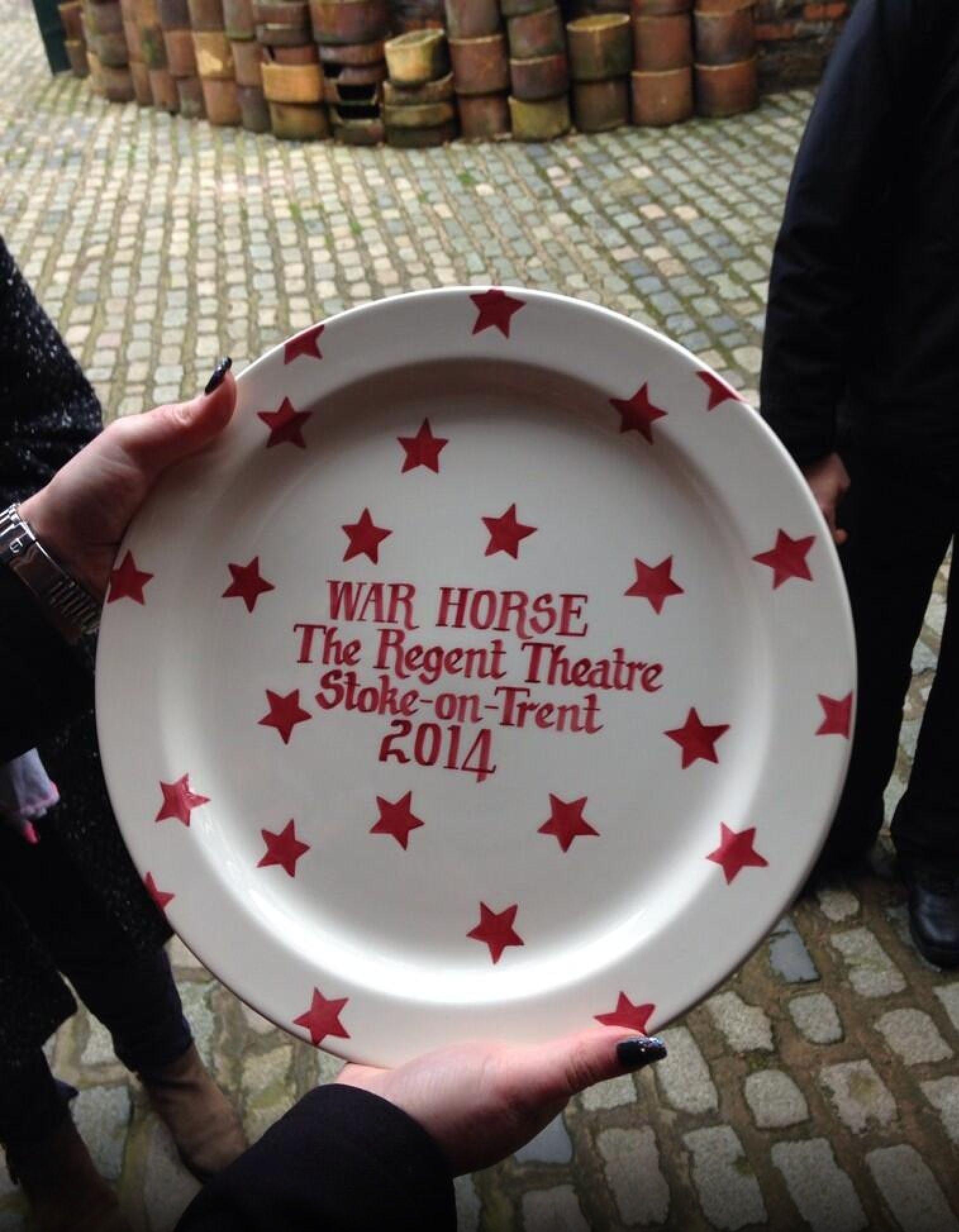Emma Bridgewater Red Star Personalised Cake Plate 2014 & Emma Bridgewater Red Star Personalised Cake Plate 2014 | Emma ...