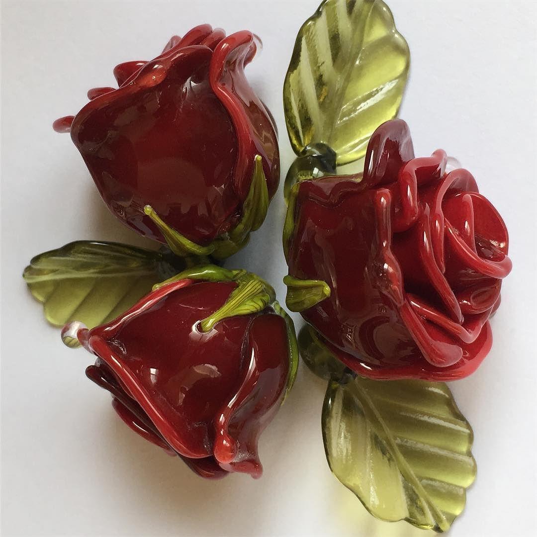 #petrovnalampwork #lampwork #my365beads2016 #roses #flowers #beads
