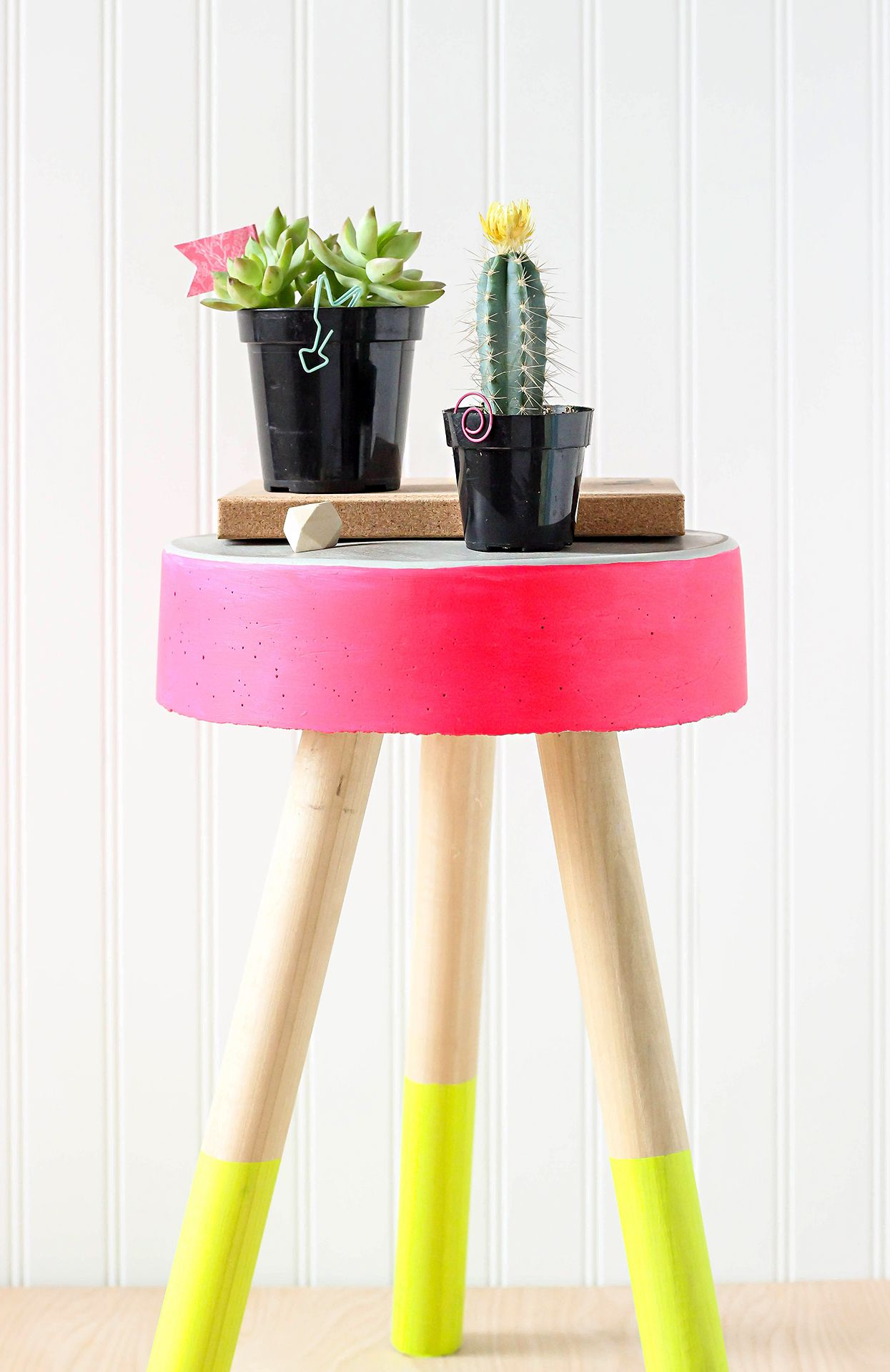 3f9898e21562 19 Summer DIY Projects That Will Brighten Your Home