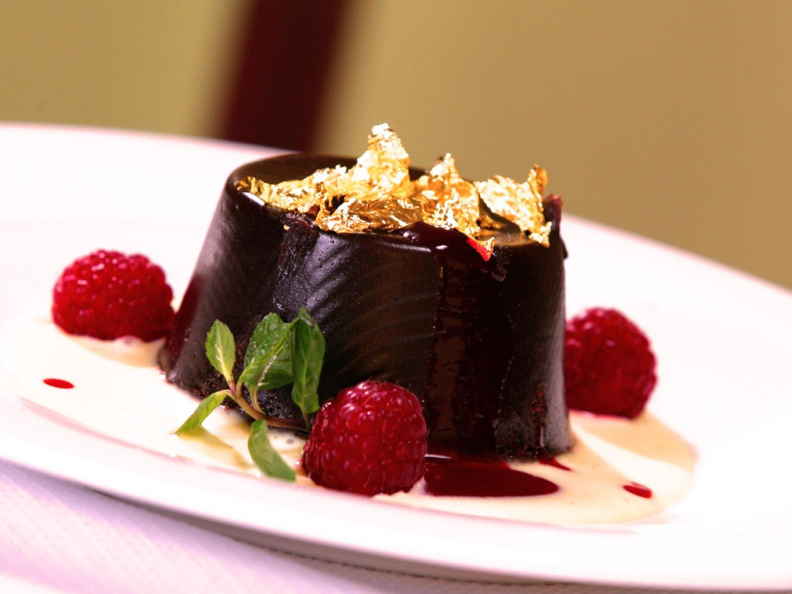 chocolate cake hd desktop wallpaper 1600 215 1200 bakery