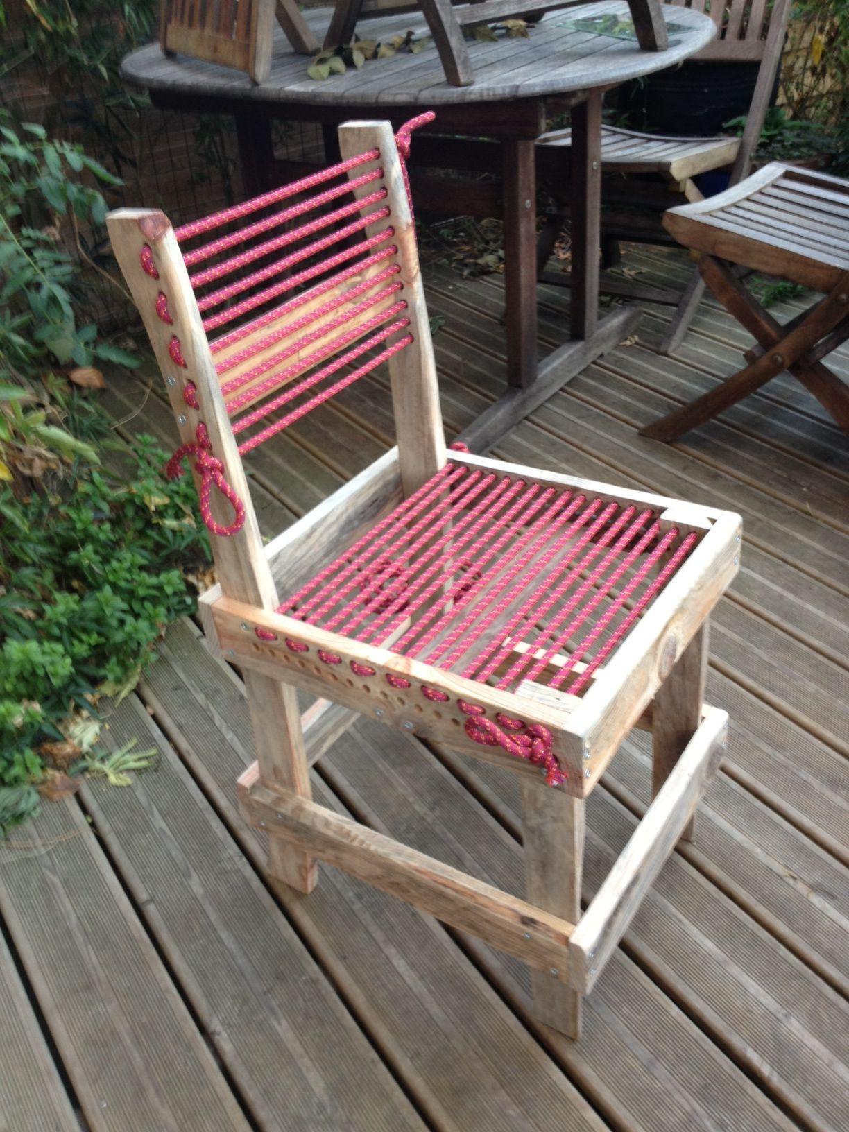 chaise en bois de palette et corde d escalade
