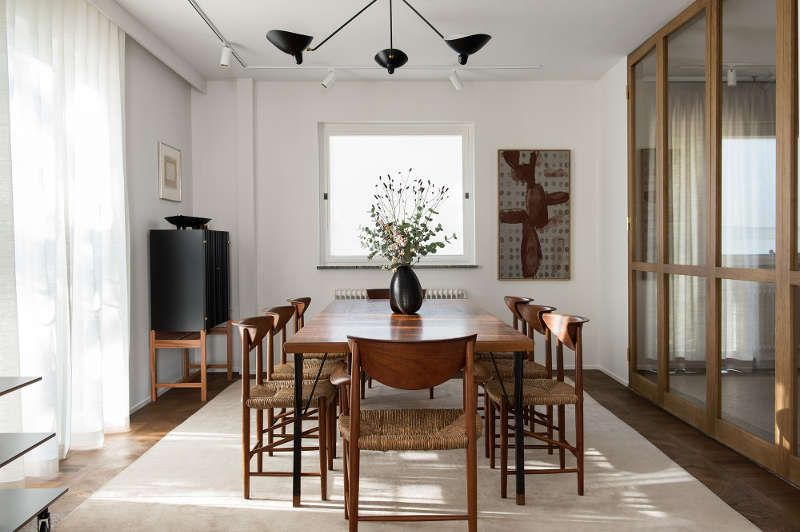 Contemporary Another fabulous room by Louise Liljencrantz and her team at Liljencrantz Design Love Oak Dining TableDining Luxury - Popular mid century modern dining room table Review