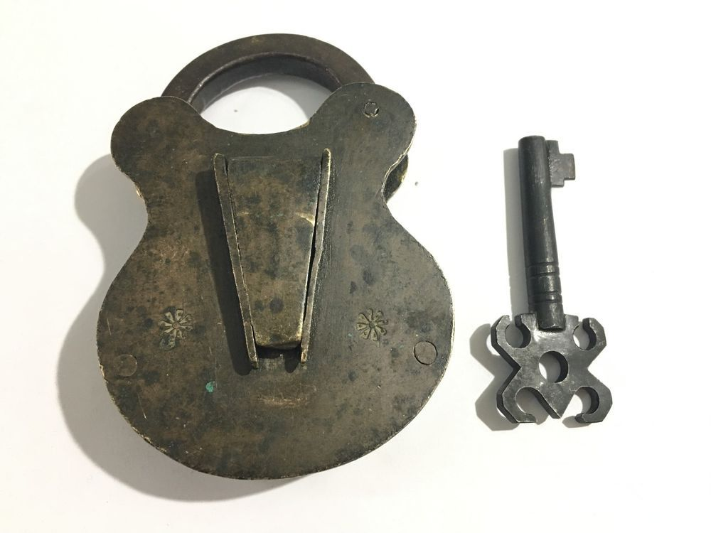 ANTIQUE OLD BRASS RAREST PUZZLE BELL PADLOCK LOCK KEY CALLED THIEF