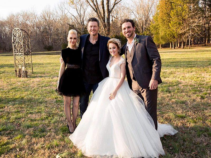 Blake Shelton Can T Keep His Hands Off Gwen Stefani At Raelynn S Tennessee Wedding Via R Imablue Blake Shelton