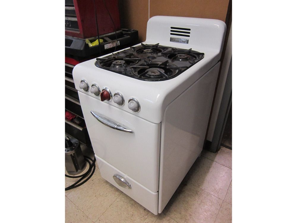 Vintage 1950\'s Magic Chef Apartment Size Gas Stove (eBay ...