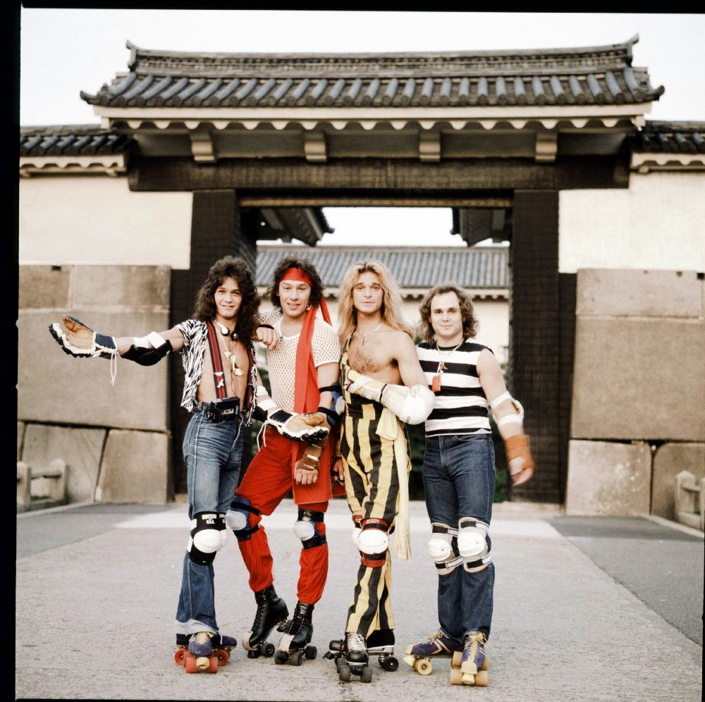 Van Halen Osaka Japan 1979 These Bizarre Photos Show The World S Biggest Rock Stars As Tourists In 1970s Japan Van Halen Bizarre Photos Eddie Van Halen