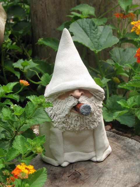 Funny Gnomes: SMOKIN White Wizard With Cigar Incense Burner