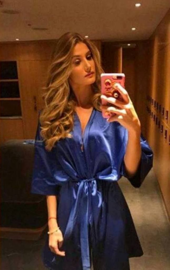 Bella luciendo su Bata oficilal dem Miss Universe luce Mariam Habach, Miss Venezuela, para las Fotos Oficiales del Miss Universe.. by Antoni Azocar..