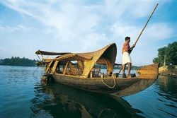 Kumarakom - This cluster of islands along the banks of Vembanad Lake is famous for its beautiful backwaters. You can book a houseboat and float along the gleaming backwaters exploring the inner beauty of Kumarakom.