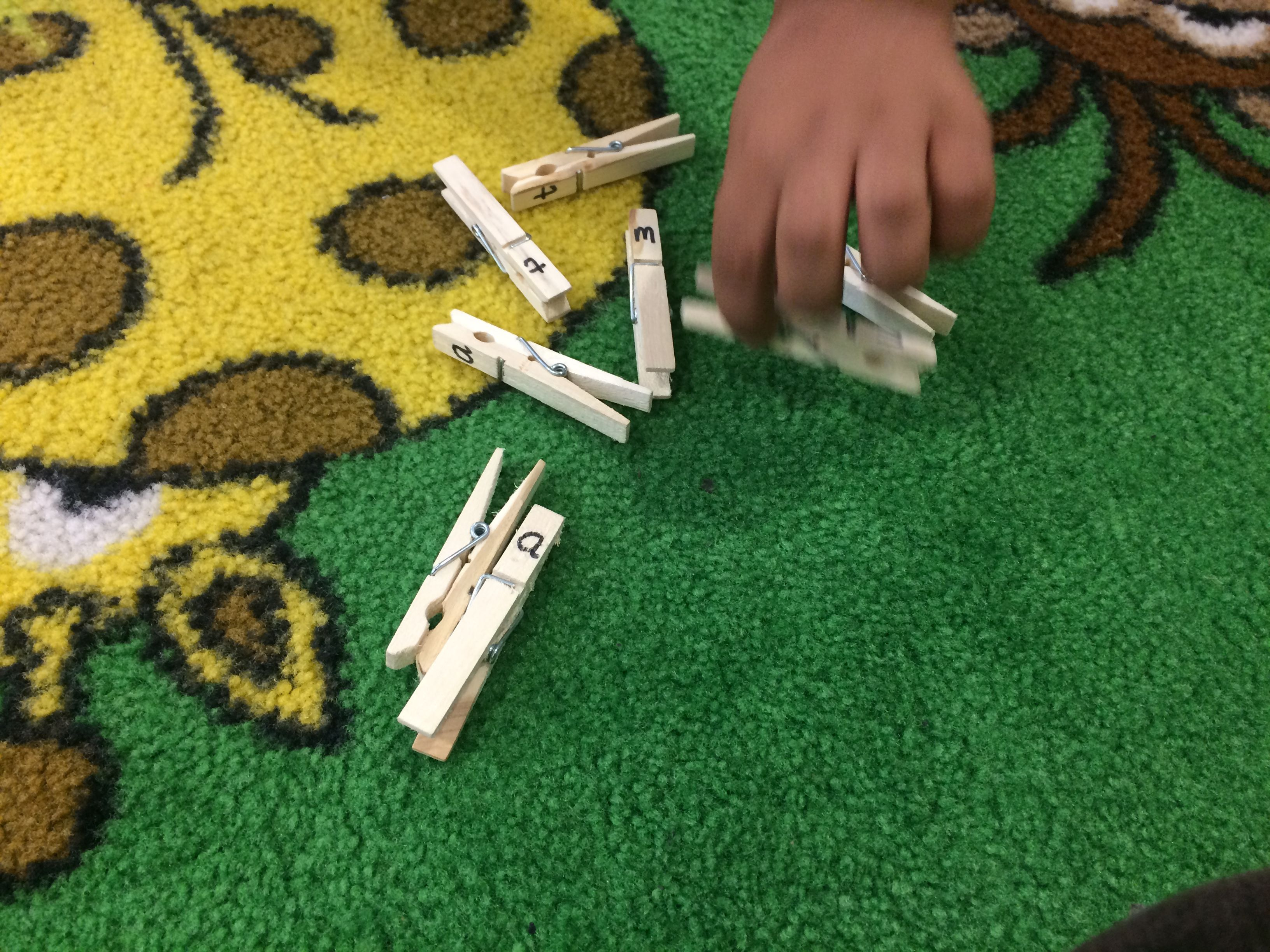 Complete The Word Phonics Can Use Pegs Or Pens