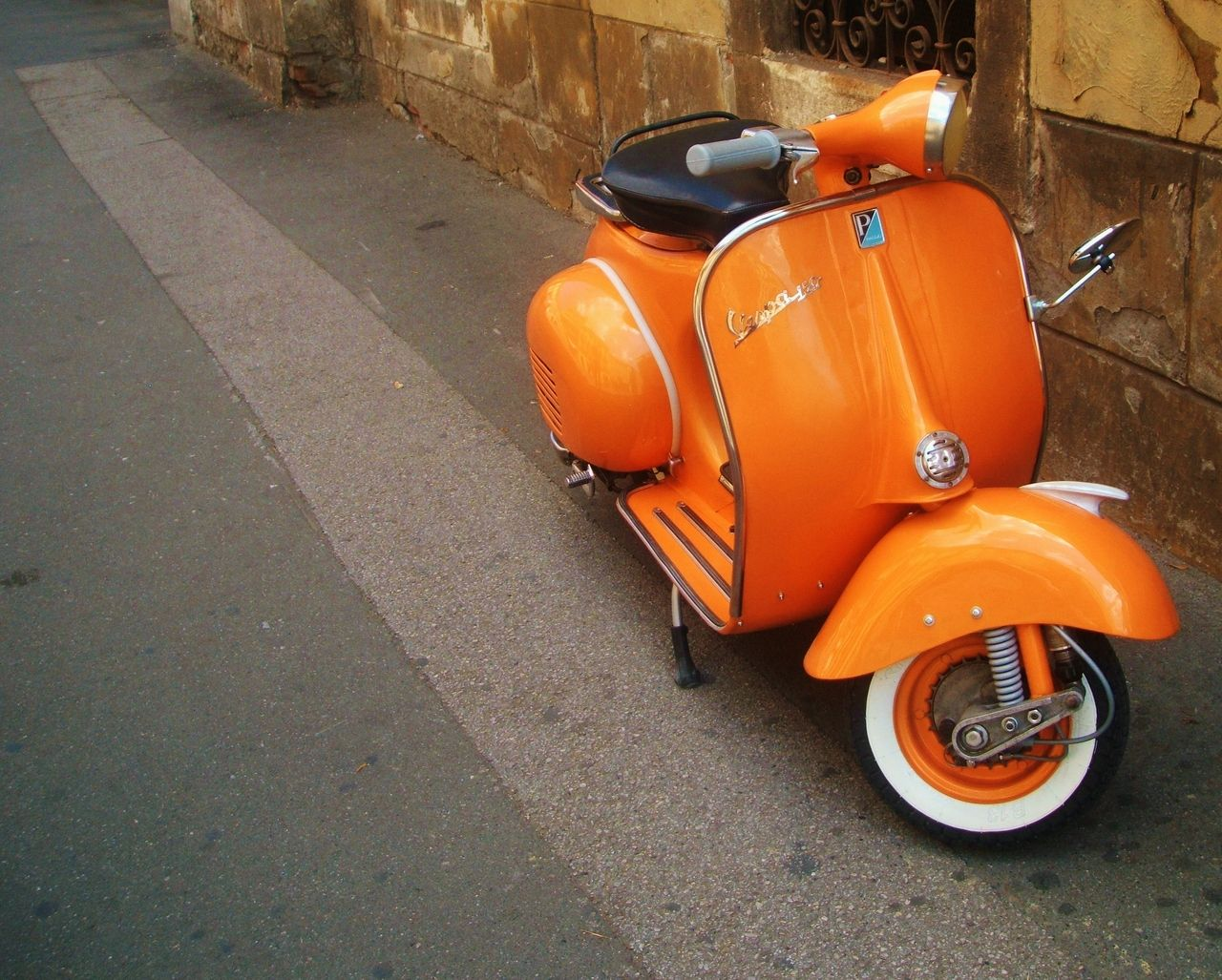 Vintage scooter, seen in Croatia by silvi´ / http://sarthouse.tumblr.com/post/30091344829/silvi-croatia-3