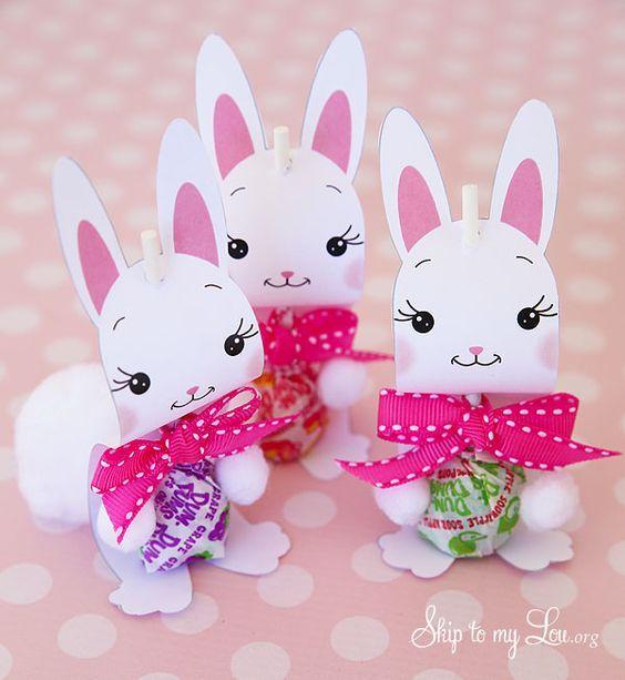 Bunny sucker holder Easter craft and gift idea #easter #gift skiptomylou.org