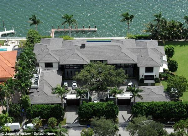 Casa De Enrique Iglesias Mansiones Casas En Miami Iglesia