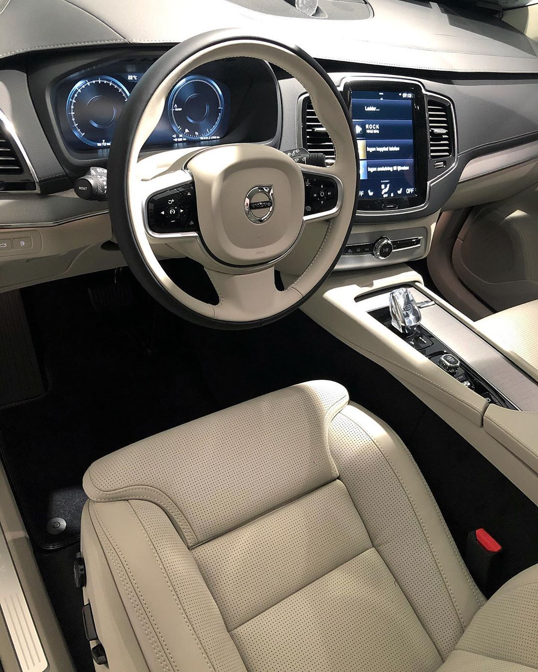 Volvo Cars On Instagram The Luxury Interior Of Volvo Xc90 Incription T8 The Best Seats In The Business Nappa Leather In 2020 Volvo Xc90 Volvo Volvo Cars