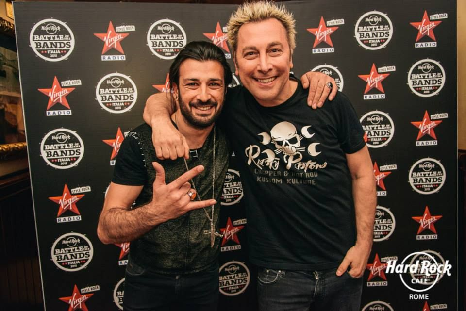 #DJRingo & #EmanueleSpedicato chitarrista dei #Negramaro alla finalissima di #BattleOfTheBand2015 #HardRockCafe #Roma #VirginRadio