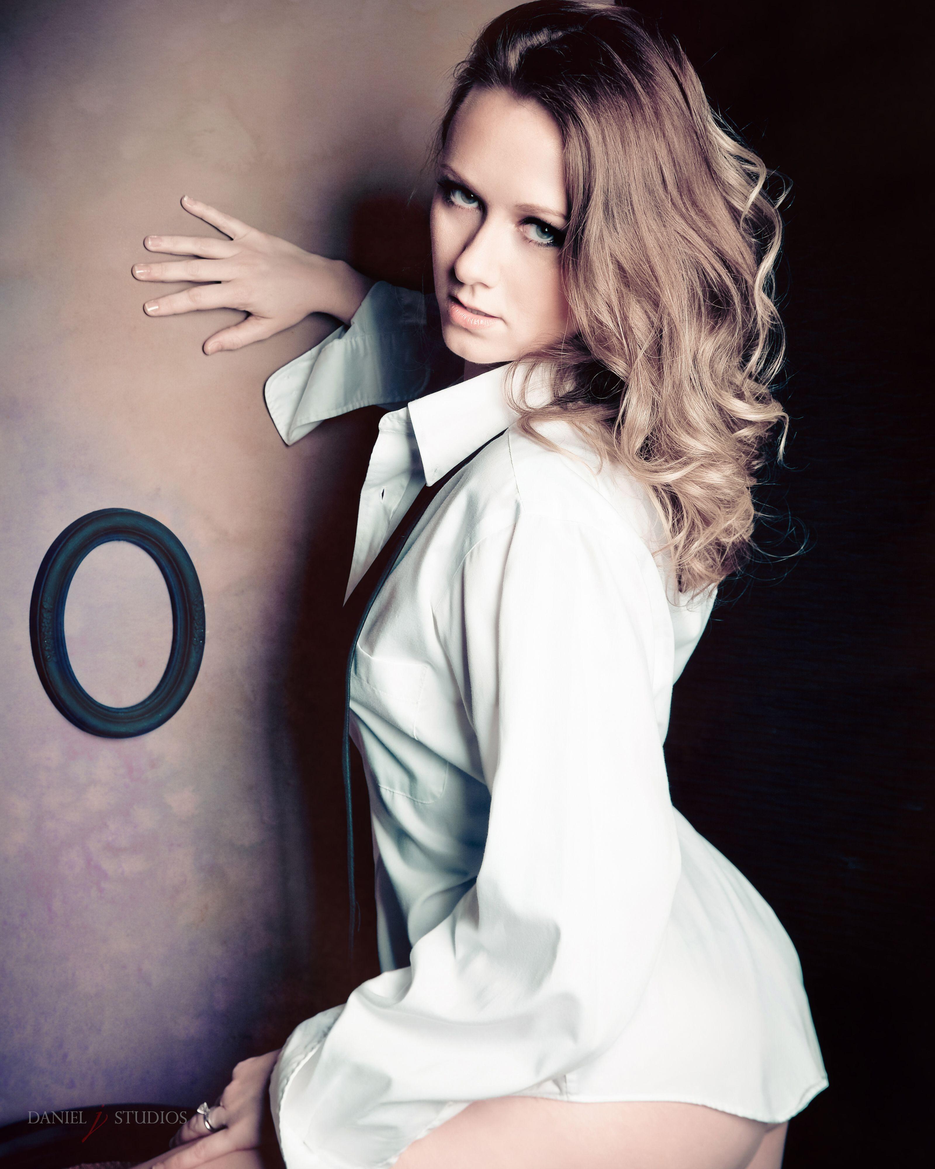 'After Hours' #boudoir #glamour #lingerie #boudoirphotography #Boudoirposes #bestboudoir #intimatephotography #sexy #sexyphotography #raleighboudoir #danieljstudios #danhadley