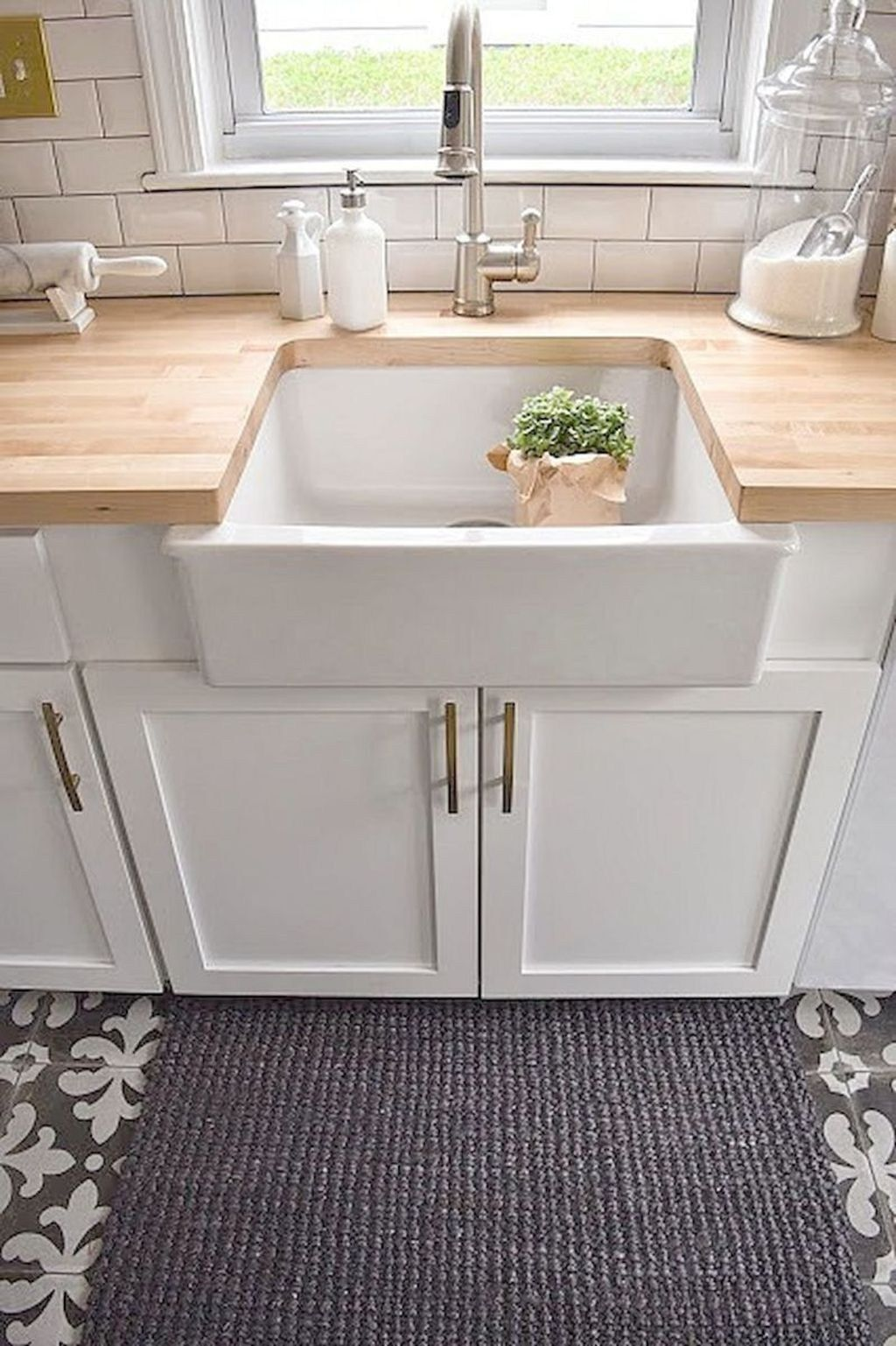 32 stunning rustic farmhouse kitchen decor ideas stylish kitchen ikea farm sink butcher on farmhouse kitchen decor countertop id=26588