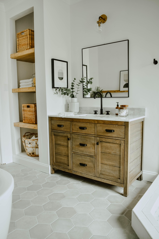 Modern Eclectic Bathroom Remodel #whitesubwaytilebathroom