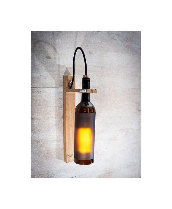 L mpara pared botella reciclada l mpara madera por - Lamparas originales recicladas ...