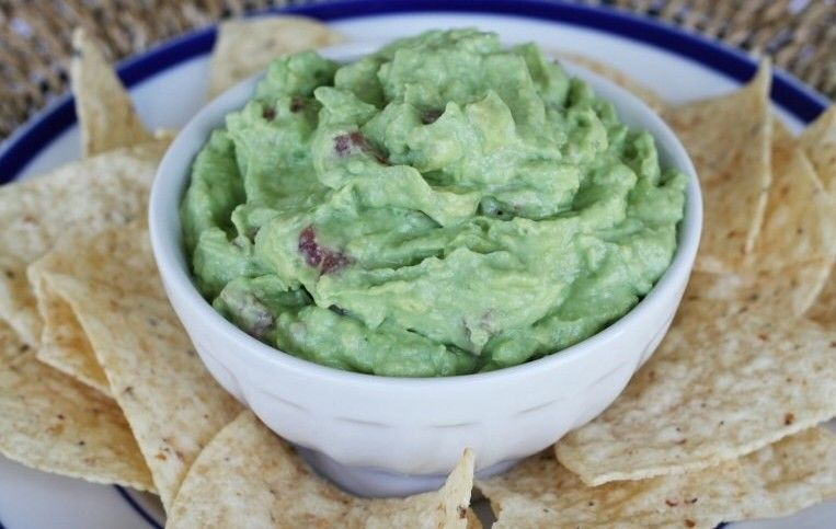 13 Useful Hacks Every Avocado Lover Needs To Know Homemade Guacamole Guacamole Food
