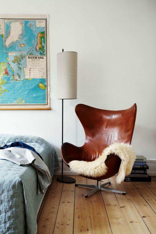 The Beautiful Copenhagen Home Of A Vintage Scandinavian Design Collector Nordic Design Modern Bedroom Furniture Contemporary Home Decor Scandinavian Bedroom