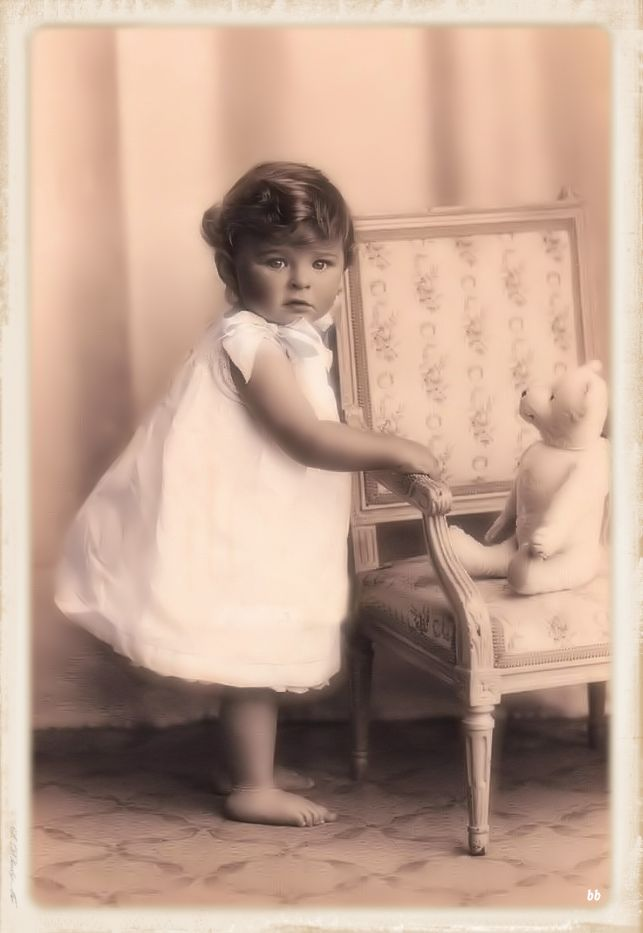 Brocante Brie, bewerkte vintage foto baby