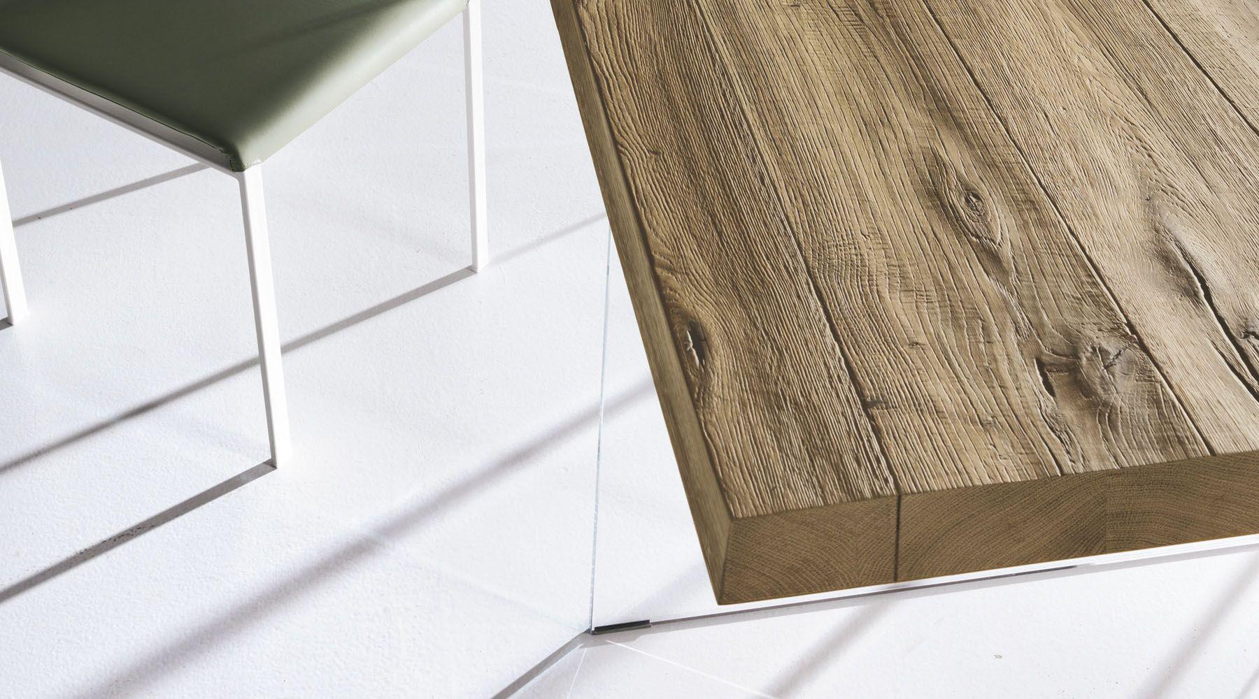 Il tavolo Air Lago è un tavolo di design che sembra galleggiare ...