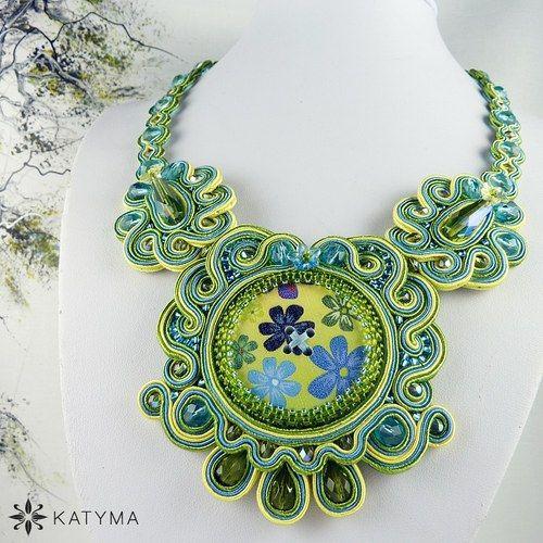 Náhrdelník louka modrých květů