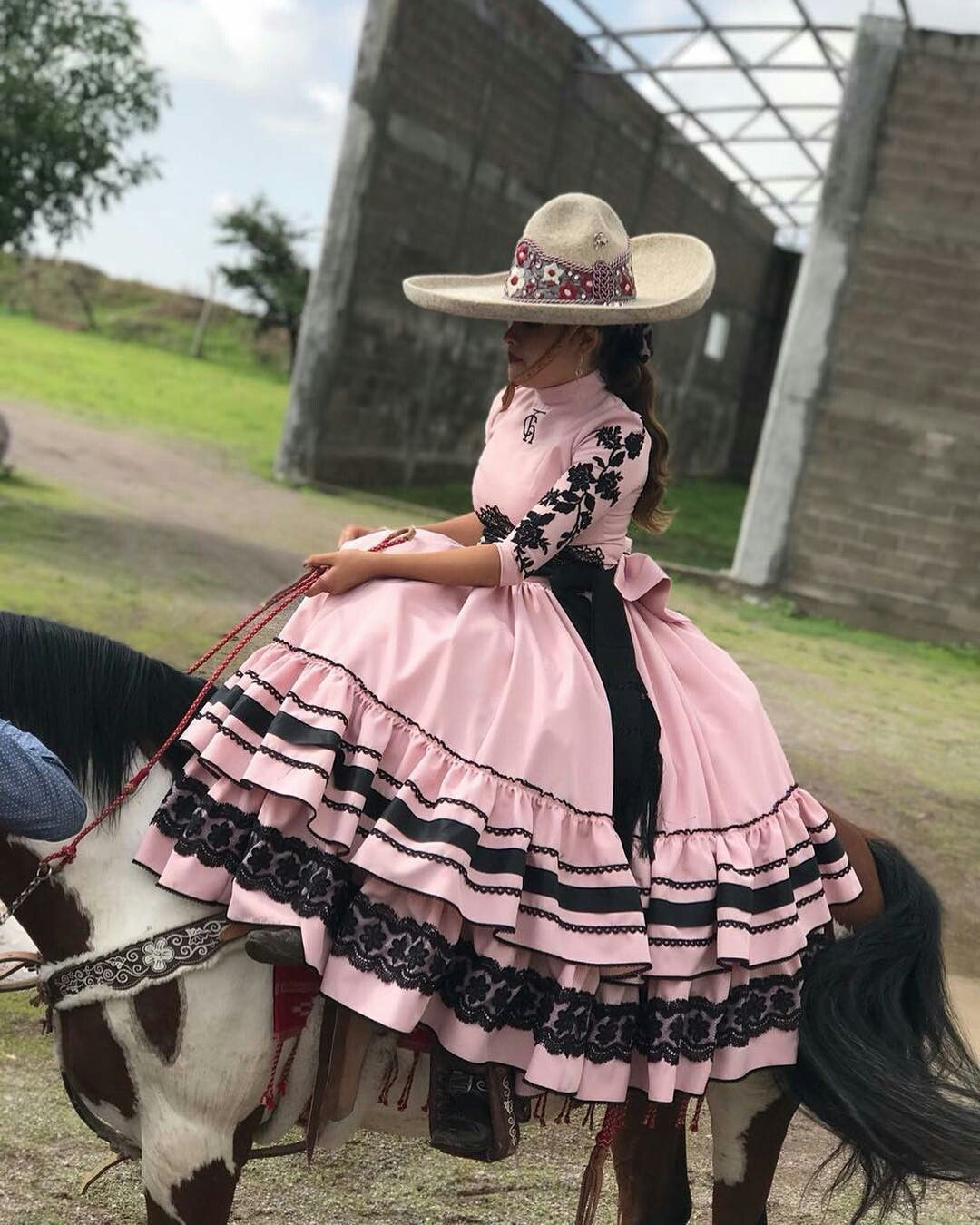 Escaramuza Hermoso Vestido En 2019 Vestidos Escaramuza