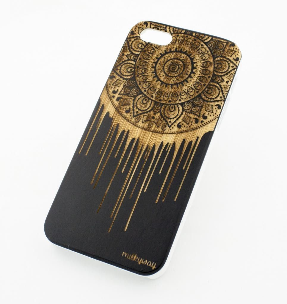 "Black Ink Bamboo Wood Cover for Apple IPHONE 5 / 5S - ""Dripping Mandal – Milkyway"