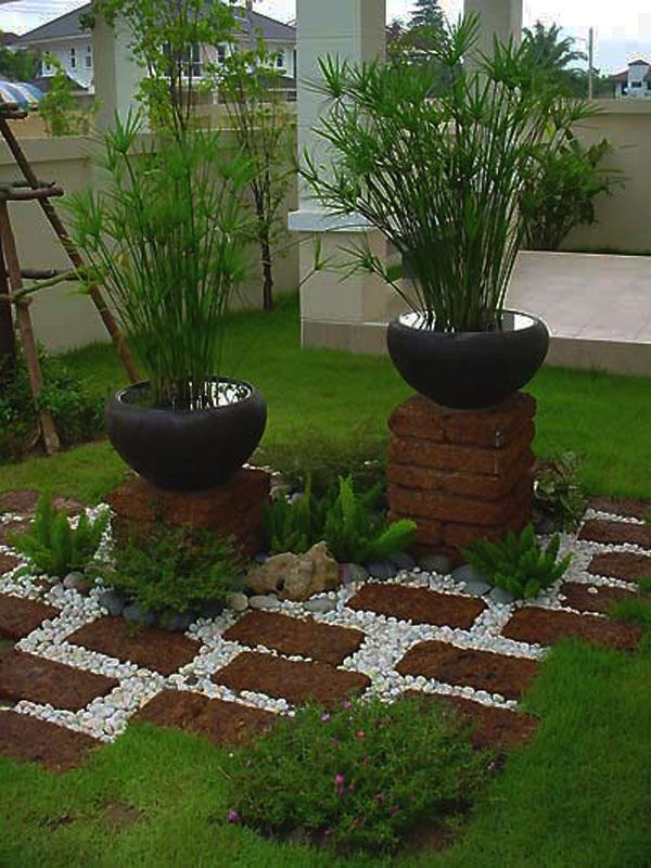 13 ideas con ladrillos para el jardn Small garden design Small