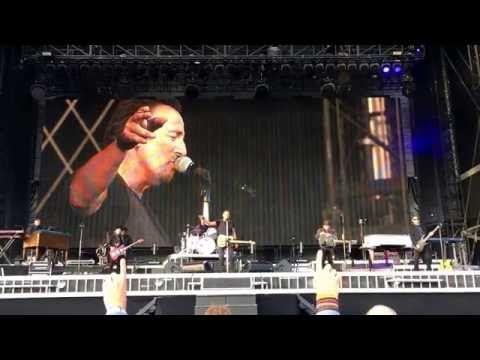 "HD Bruce Springsteen ""Racing in the Street"" Den Haag Malieveld 14.06.16 - YouTube"