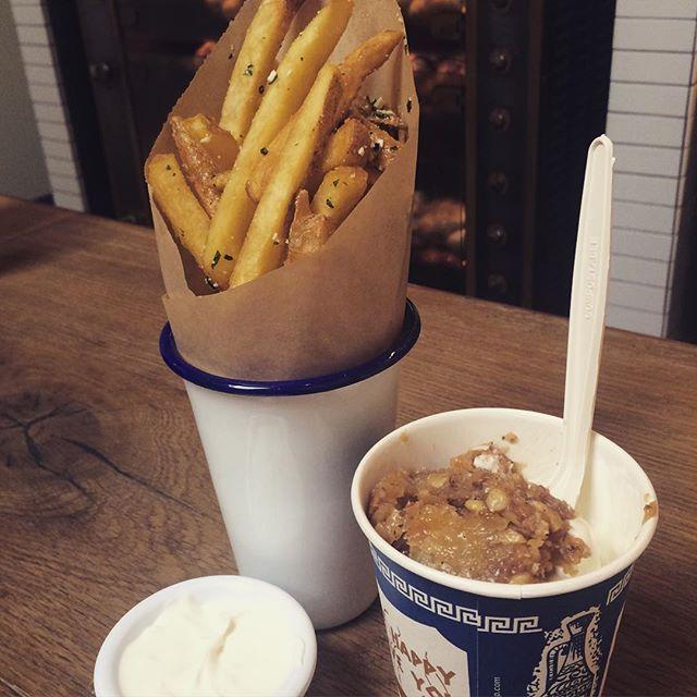 """Souvla @brendaparaguay's photo: """"Afternoon snack"""""""