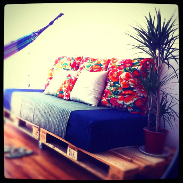 DIY Palette Couch