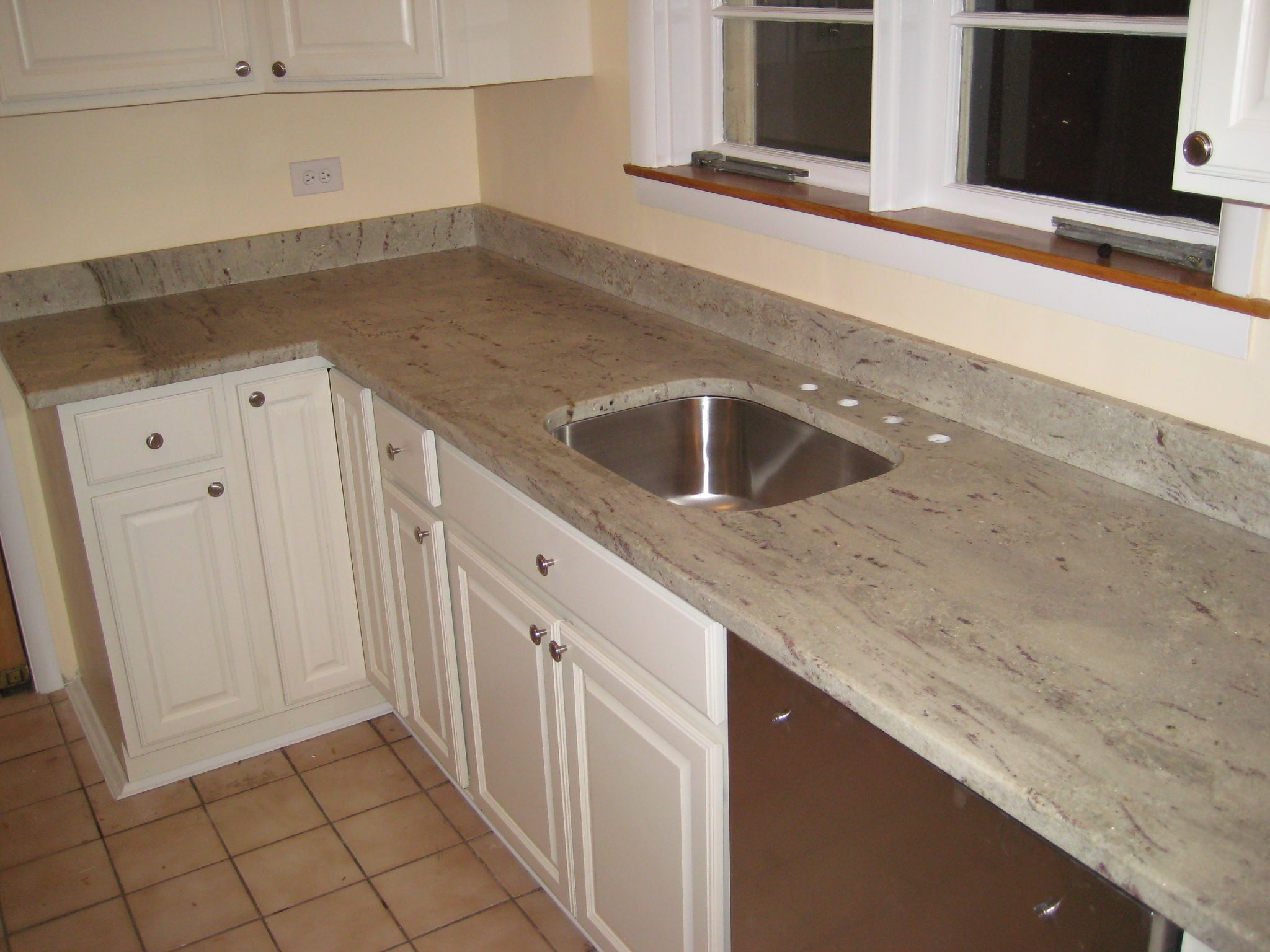 We Beat Any Competitor S Price Free Um Sink With Minimum 46sf Of Granite Countertops Free 3 Edge Detail Granite Countertops Countertops Kitchen Countertops