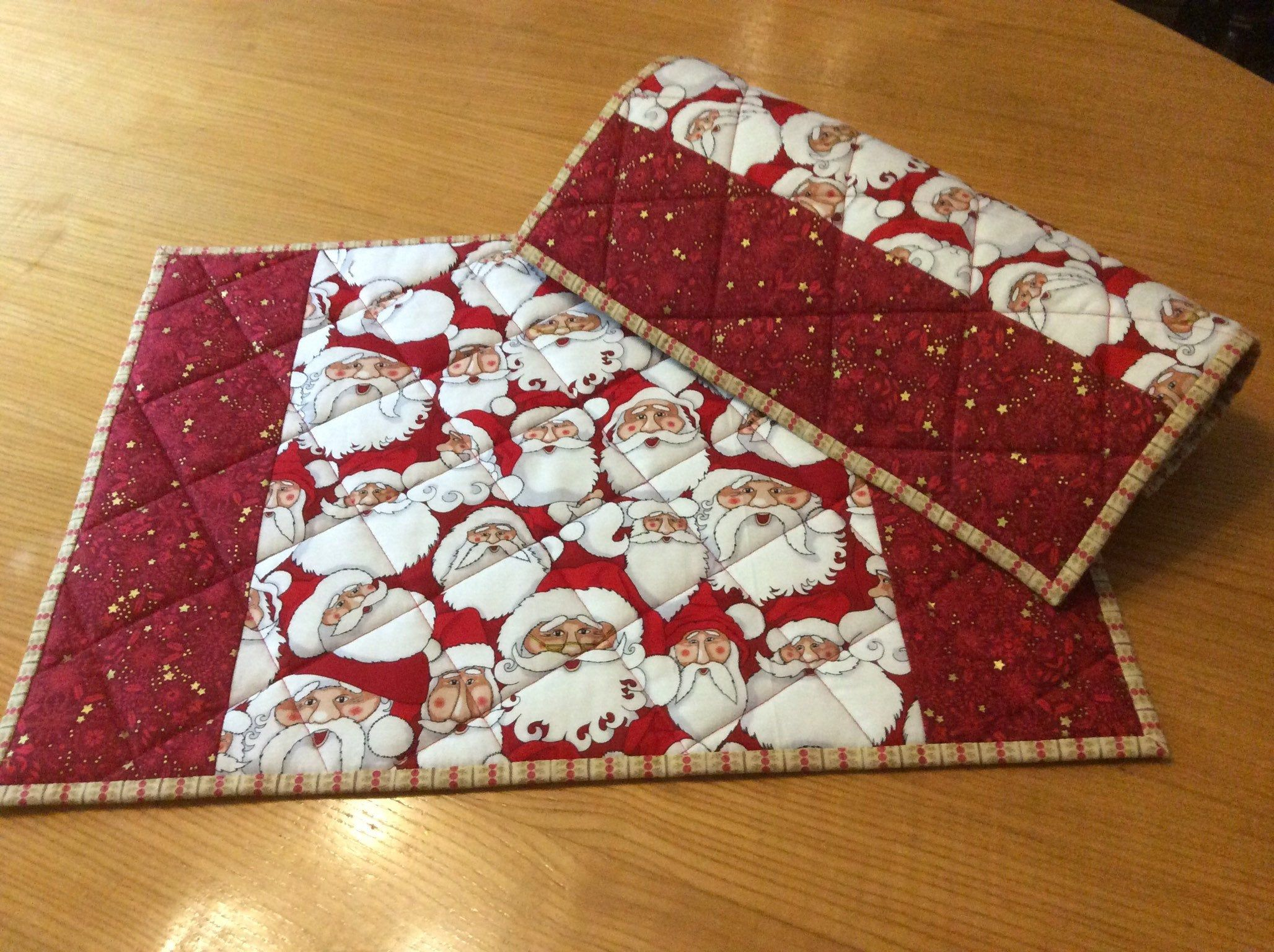 Christmas Quilted Placemats Set Of 2 Placemats Handmade Size Etsy Christmas Quilt Place Mats Quilted Placemats