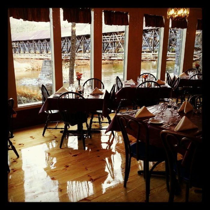 New Hampshire Restaurants Right On The River That Youre - Covered bridge farm table
