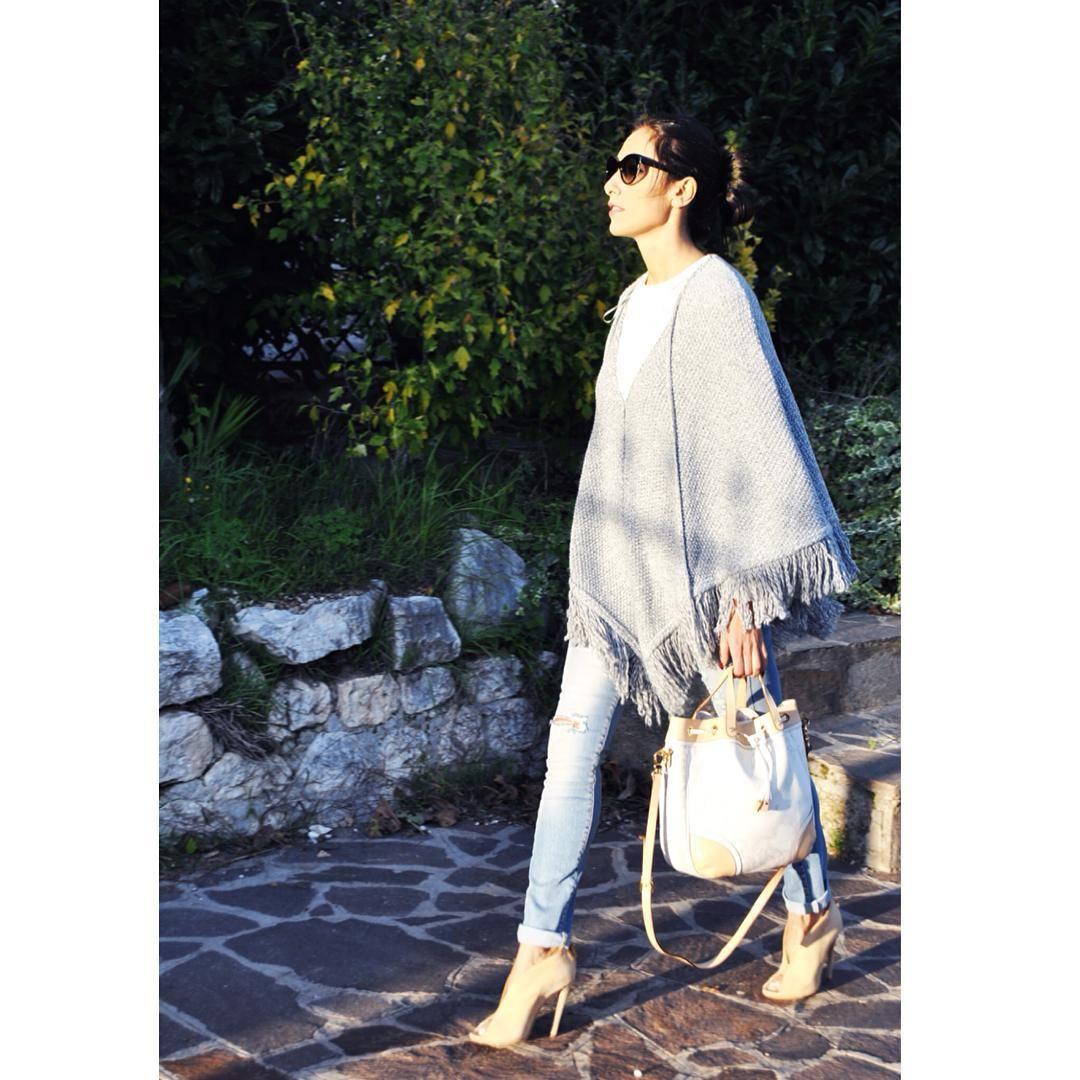 Poncho, Cappa, Cape, mantella, frange, fringe, moda Inverno moda 2015, heels, fashion, chic - outfit fashion blogger Heels Allure by Marianna Farese