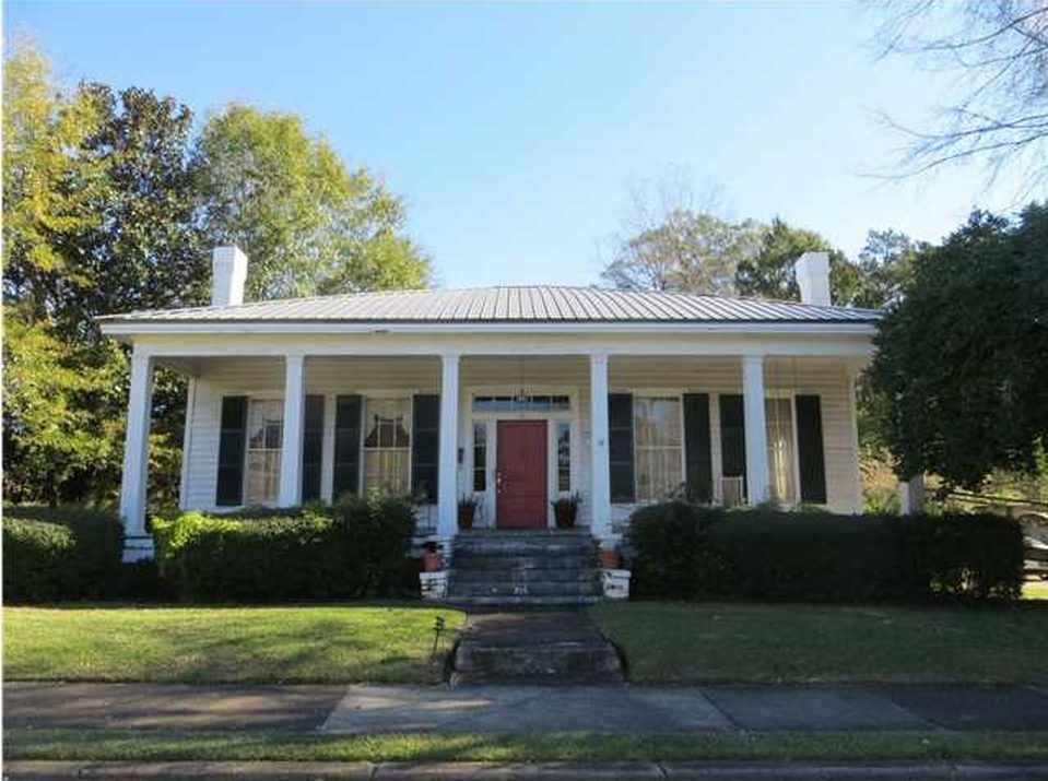 1850 greek revival in greenvilee al 84900 - Greek Revival Cottage