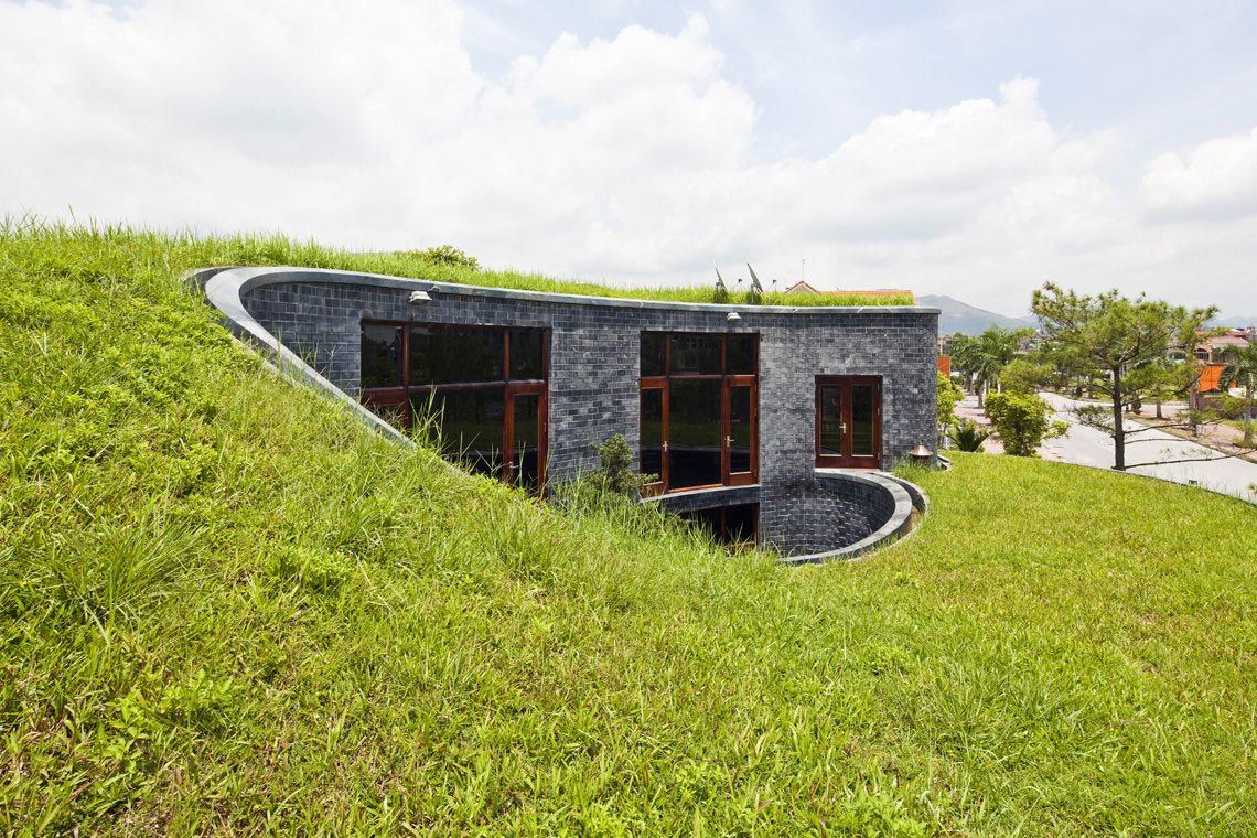 Grass Flat Roof In Stone House Architecture Design Green Roof House Green Roof Design Stone House