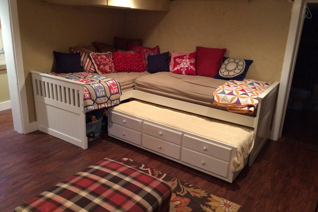 Unique triple trundle bed - Google Search | cabin interiors | Pinterest  YZ24