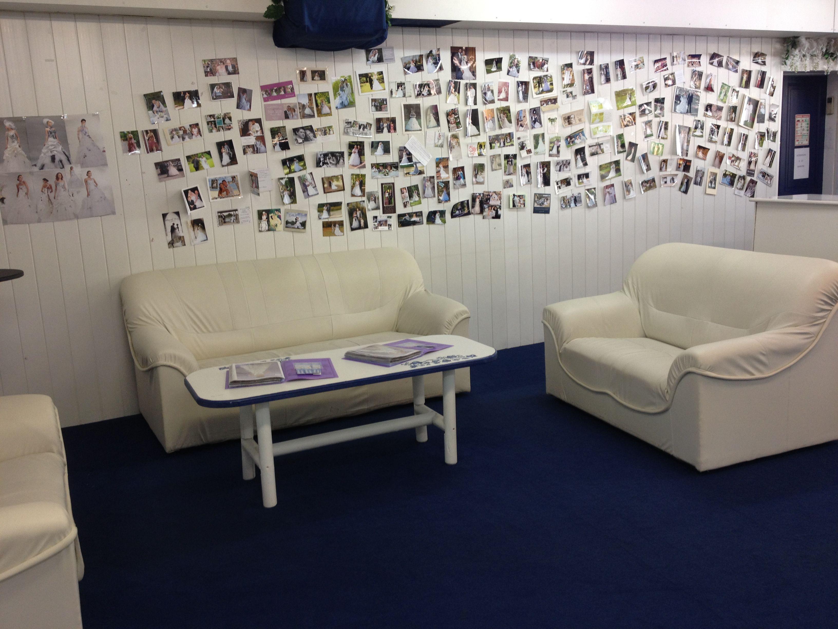 Les salons d'accueil, pour feuilleter nos catalogues... Et toutes les photos de nos clientes <3