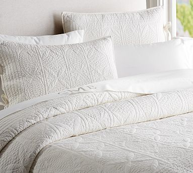 Hanna Quilt  Sham #potterybarn I like the look of the quilted pillows, not a fan of the duvet ... looks too flat.