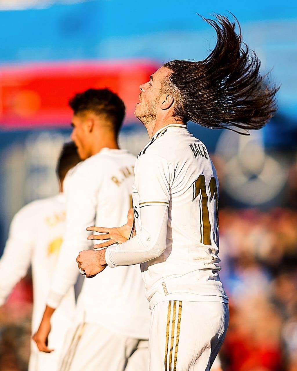 New Head Amp Shoulders Commercial In 2020 Gareth Bale Messi And Ronaldo Lucas Vazquez
