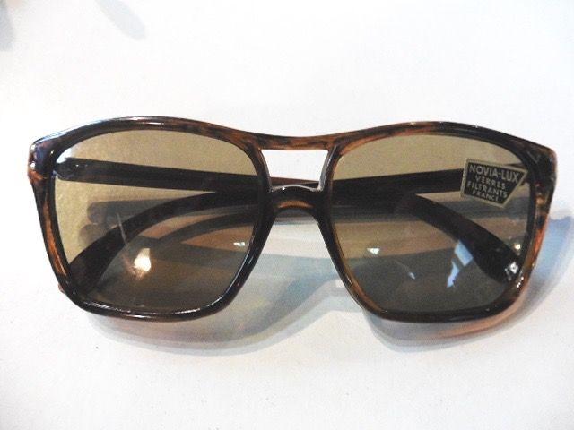 Lunette de soleil vintage 1960 stock neuf