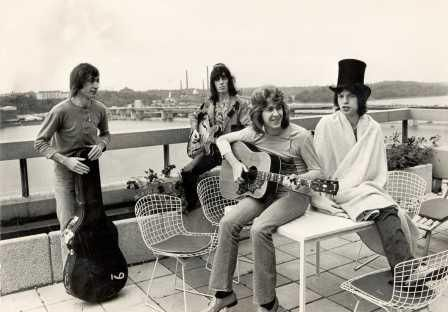 Cute top hat there, Mick Jagger