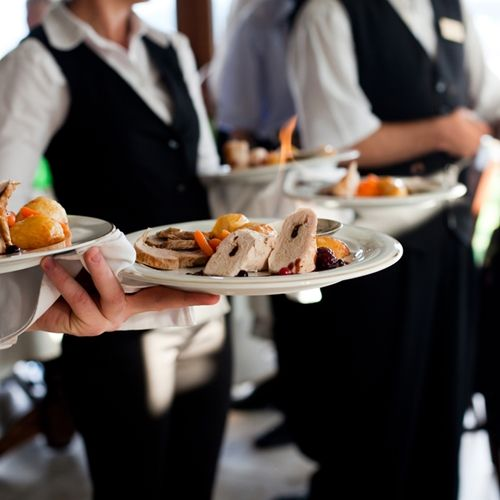 5 Effective Ways Chefs Can Communicate With Wait Staff