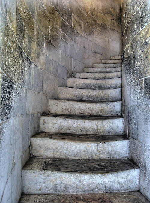 Staircase in the Leaning Tower of Pisa [HDR] (via Giovanni V.)