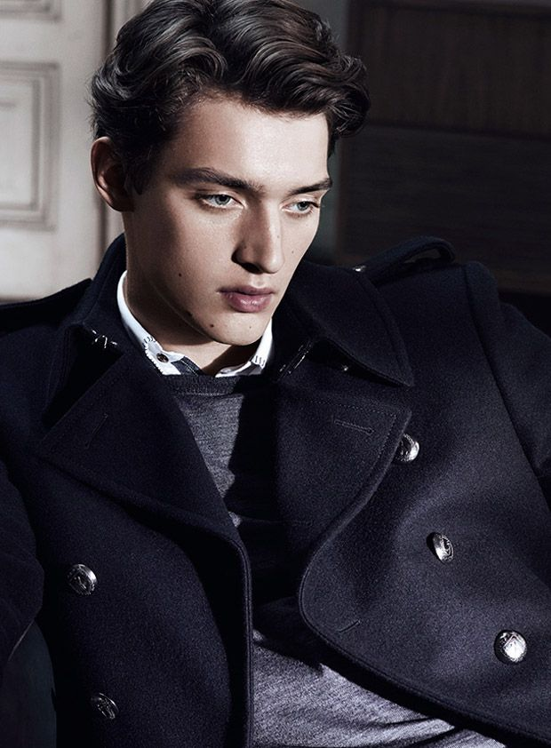 otto lotz for sarar interview fall winter 2014 posing. Black Bedroom Furniture Sets. Home Design Ideas
